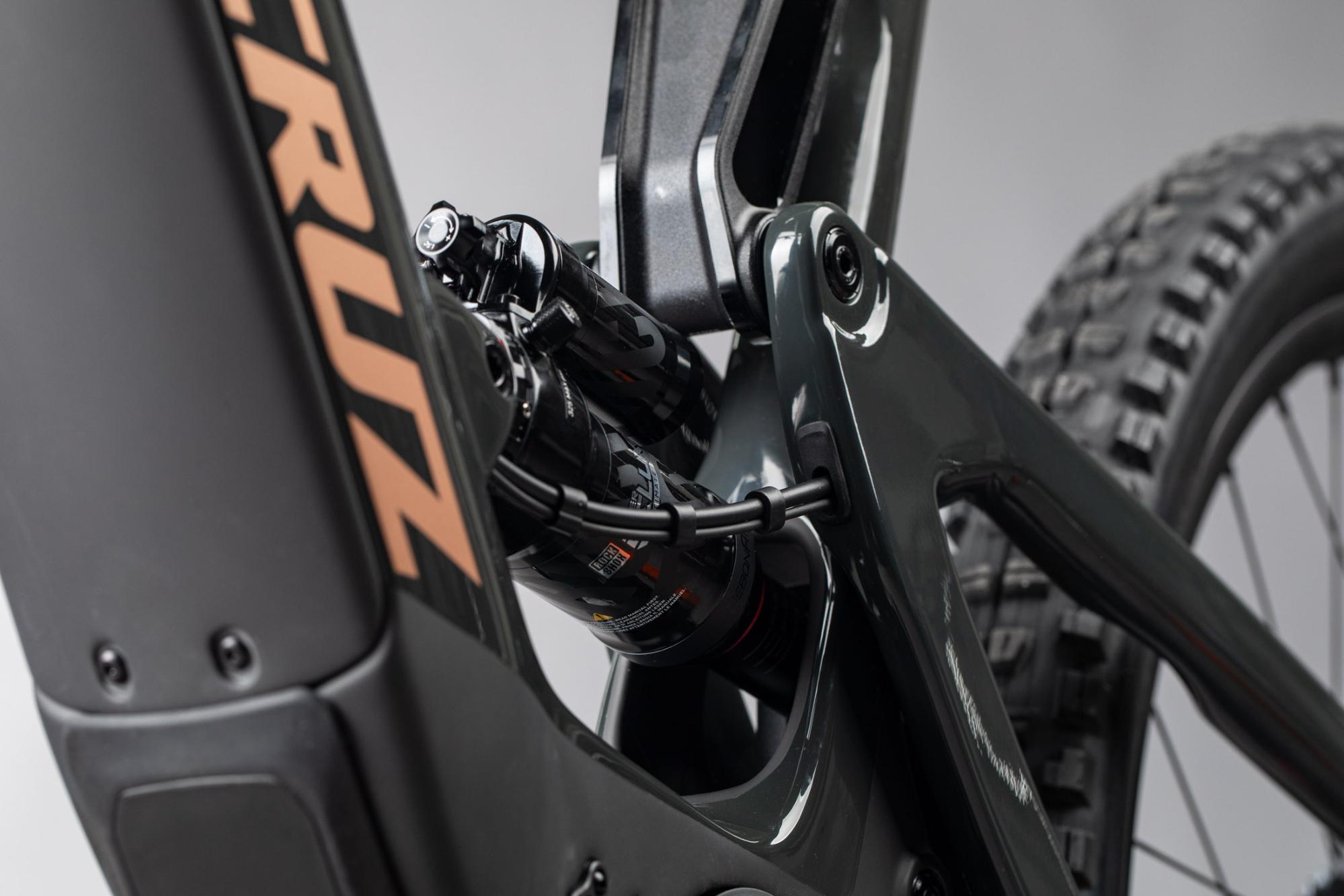 The Santa Cruz Heckler Bike Motor and Battery