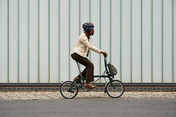brompton e-bikes are portable and lightweight