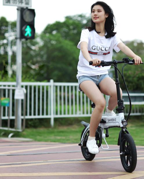 Samebike YINYU14 a fast, styling folding e-bike